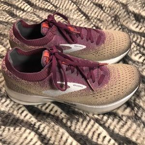 Women's Brooks Levitate 2 Running Shoes Size 8.5